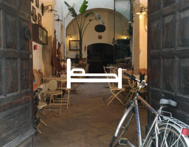 Bike friendly accommodations & bike hotel